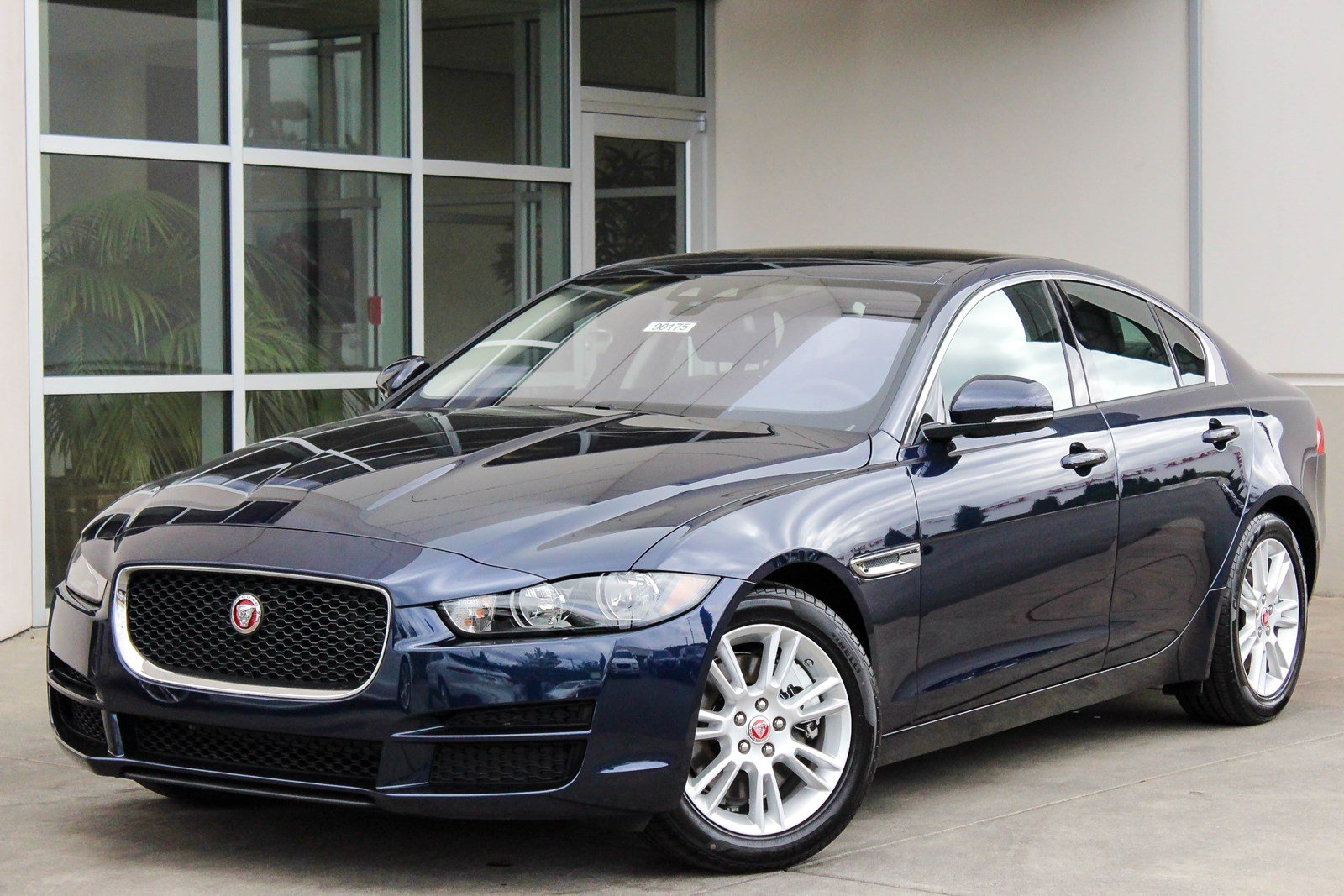 new 2018 jaguar xe 25t premium 4dr car in bellevue 90175 jaguar bellevue. Black Bedroom Furniture Sets. Home Design Ideas