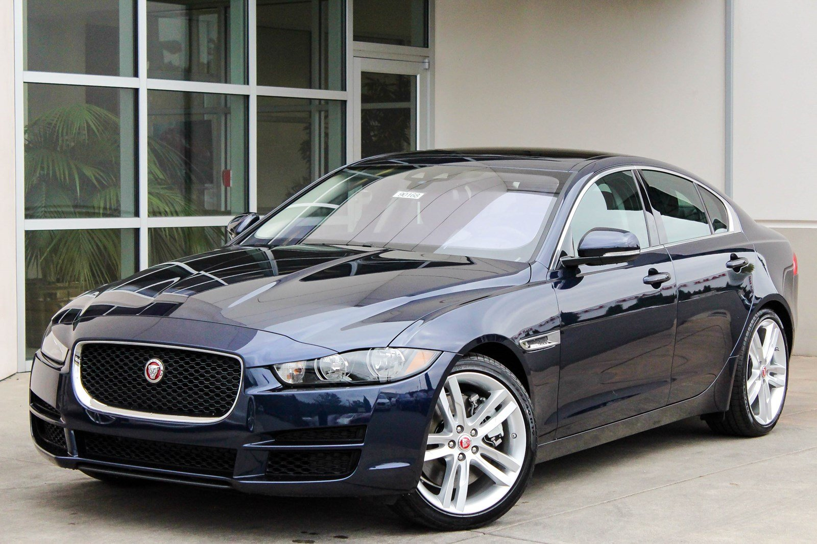 new 2018 jaguar xe 35t prestige 4dr car in bellevue 90168 jaguar bellevue. Black Bedroom Furniture Sets. Home Design Ideas