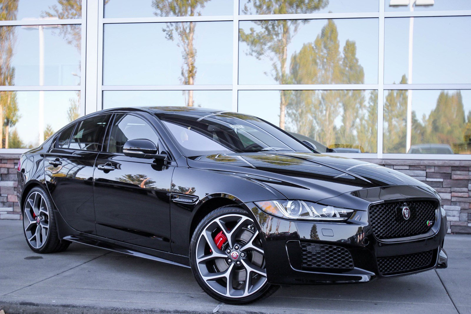 new 2018 jaguar xe s 4dr car in bellevue 59777 jaguar bellevue. Black Bedroom Furniture Sets. Home Design Ideas