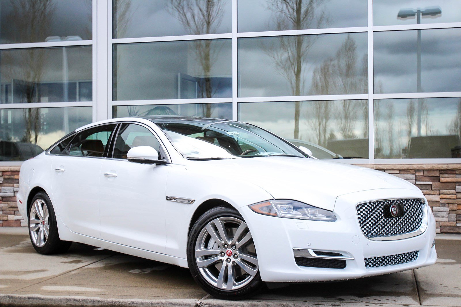 new 2017 jaguar xj xjl portfolio 4dr car in bellevue 59681 jaguar bellevue. Black Bedroom Furniture Sets. Home Design Ideas